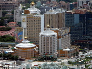 Photo by WiNG - Macao Hotel Lisboa 葡京酒店 (2008) / CC BY 3.0